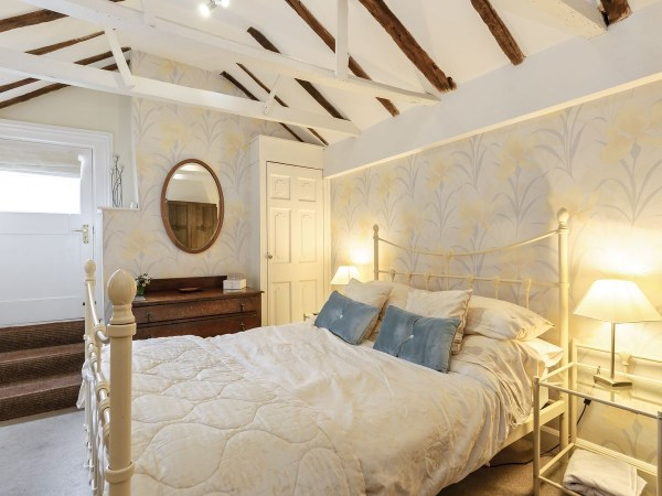 Self Catering Cresent Cottage Bedroom