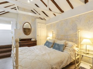 Self Catering Accommodation Cresent Cottage Bedroom