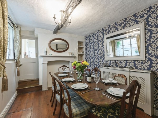 Crescent Cottage Dining Room