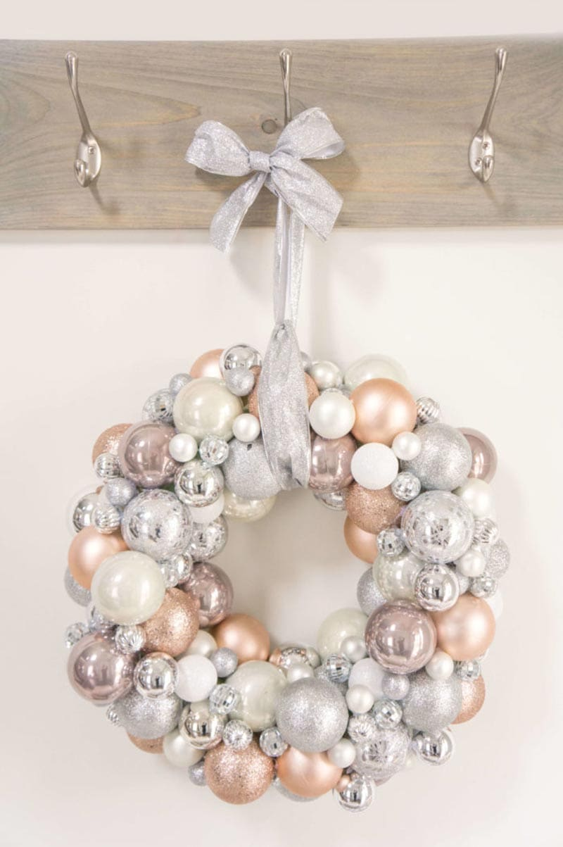 DIY Farmhouse Christmas Wreath 8