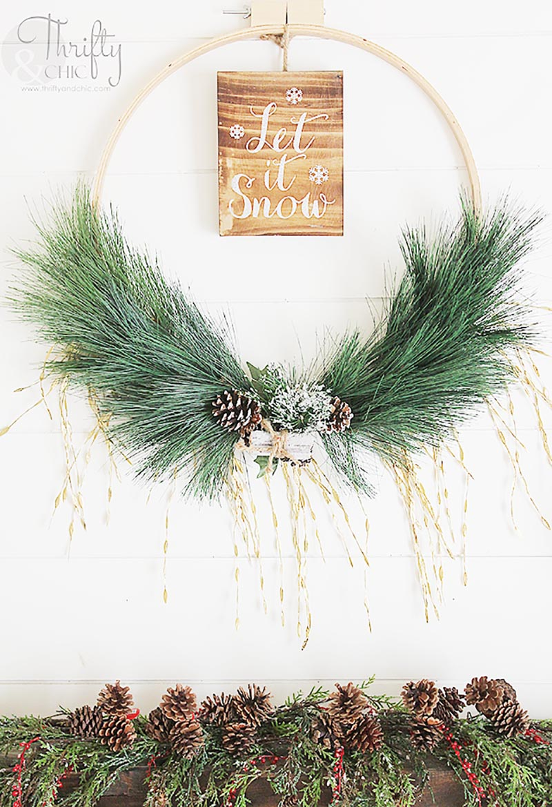 DIY Farmhouse Christmas Wreath 9
