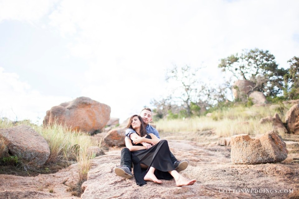Enchanted Rock Engagement Photography_003
