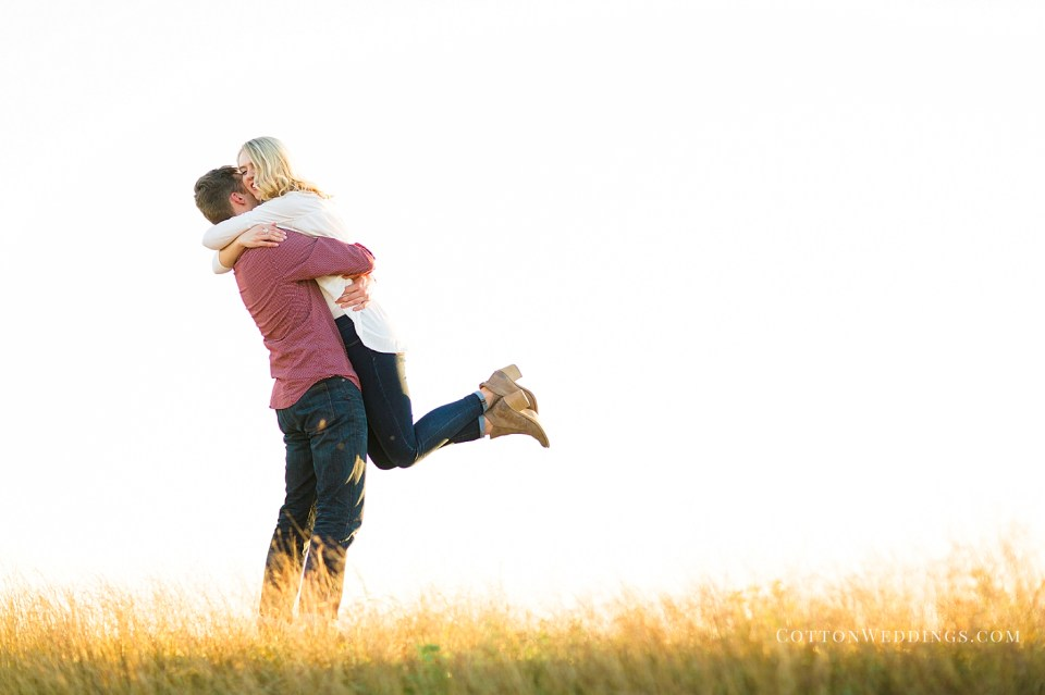 bright airy photo couple in love embracing