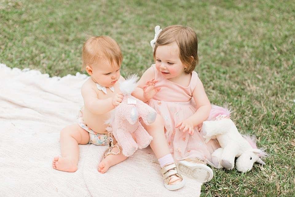 baby best friends photoshoot