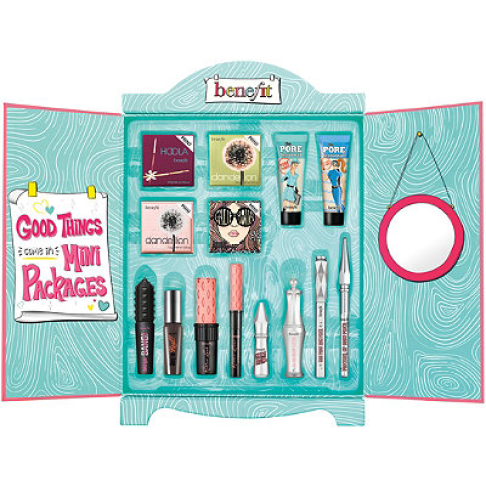 THE HOLY GRAIL! Benefit Cosmetics you outdid yourself w/ this amazing holiday gift set.