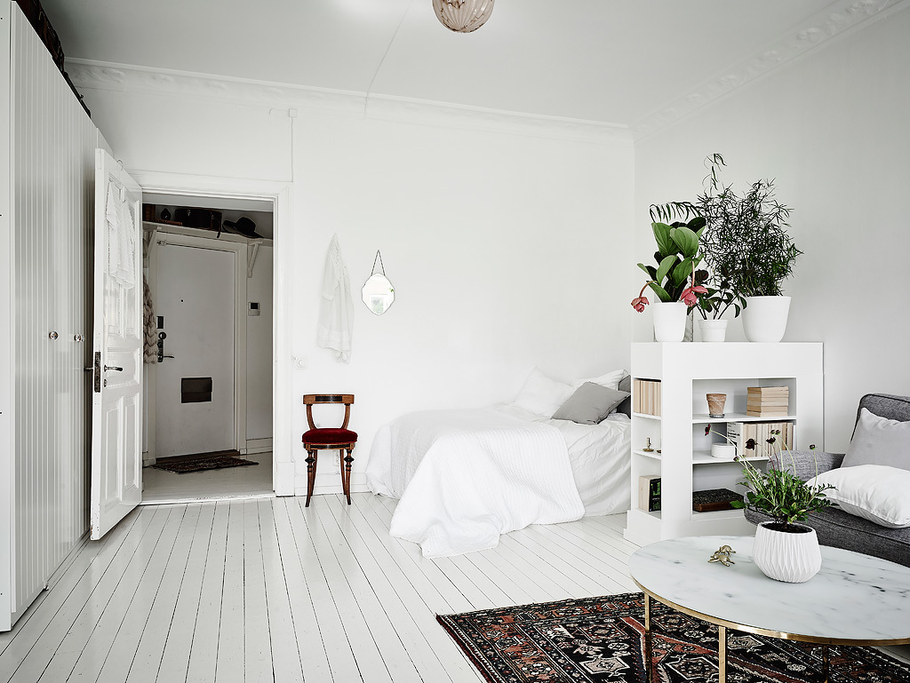 Small Studio Apartment In White And Grey