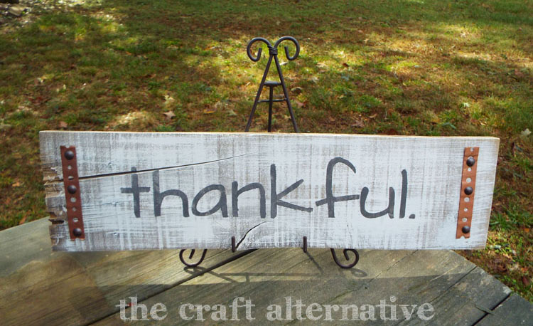 DIY Fall Sign Using a Pallet Board on easel