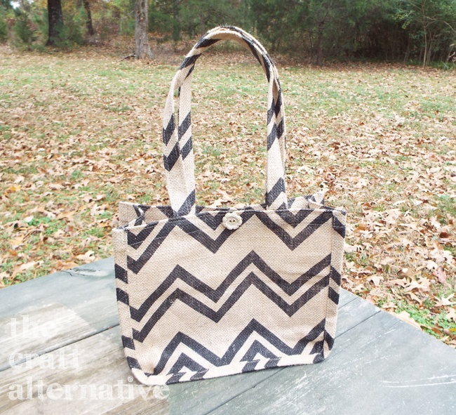 How to Make a Lined Burlap Lunch Bag_Finished