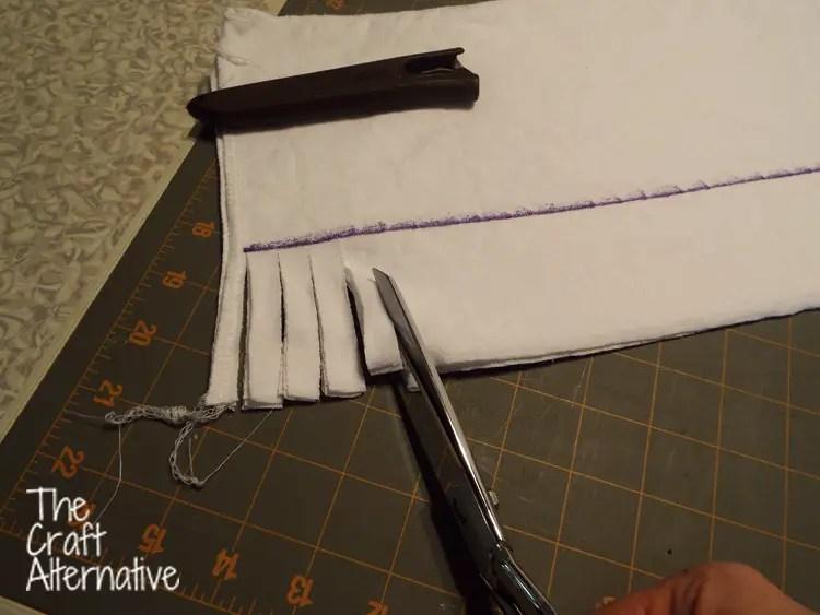 Make a T-Shirt Scarf_Cut Fringe