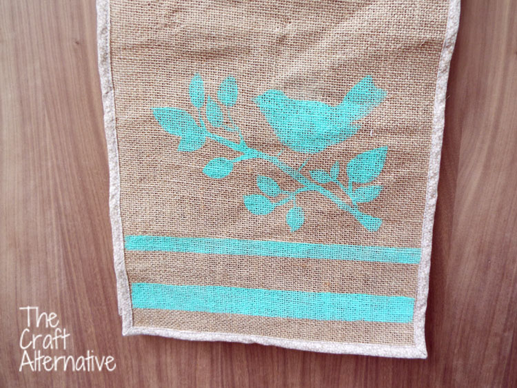 Painted Burlap Table Runner_Close Up
