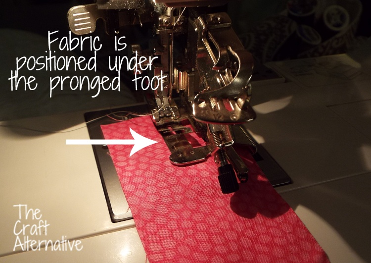 How to Use a Ruffler on a Sewing Machine_Foot