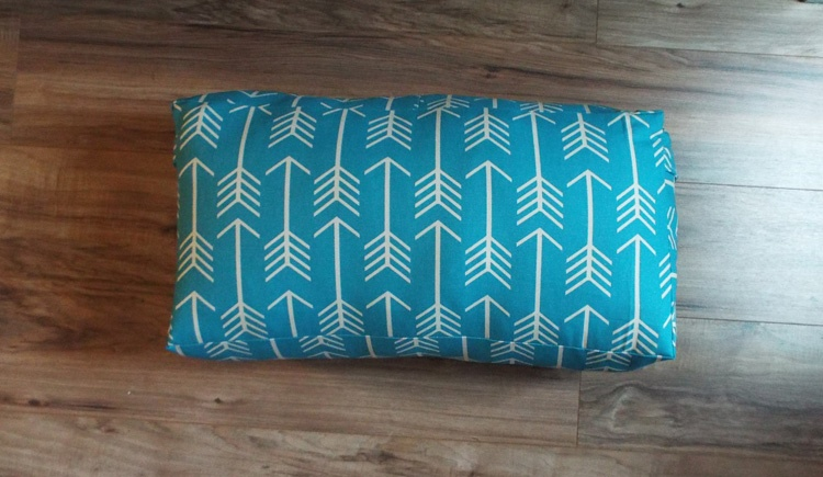 easy to make bolster pillow for yoga - completed