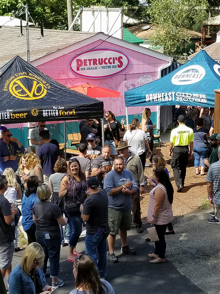 The dirndls and lederhosen were out in full force on September 9, 2017 at the Elmwood Park Zoo in Norristown for their 10th Annual Oktoberfest Beer Festival. Click through for the full event recap.