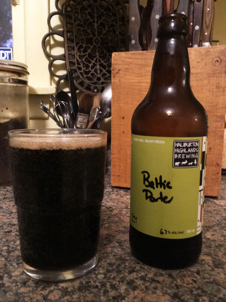 Haliburton Highlands Brewing Baltic Porter is a pitch-perfect fall/winter beer. Malts, chocolate, toffee, and caramel, dark fruits with low bitterness. Click through for the full review.
