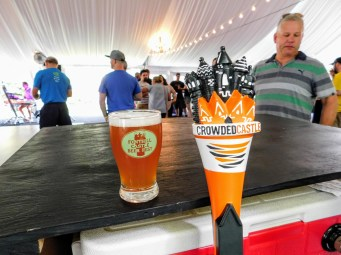 Fonthill Castle Beer Festival 2018 107 Crowded Castle Brewing Wit or Wit Out (Large)