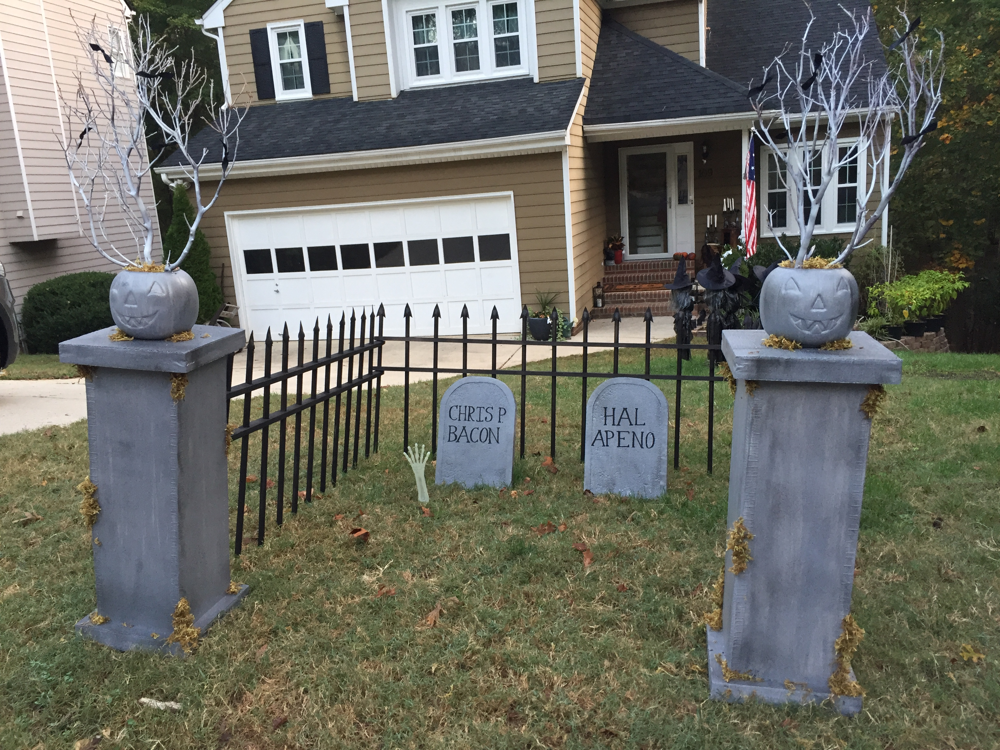 Halloween decorated houses inside - Probably Because I Didn T Have It Up Until 2 Days Before Halloween Any Longer And They Might Have Changed Their Tunes