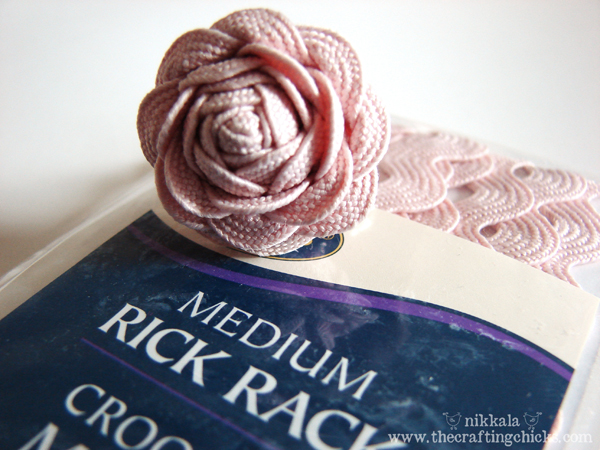 Rick-rack rose