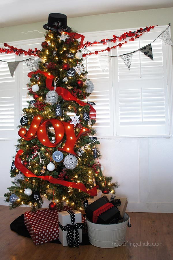 Black And White Christmas Decorating Ideas