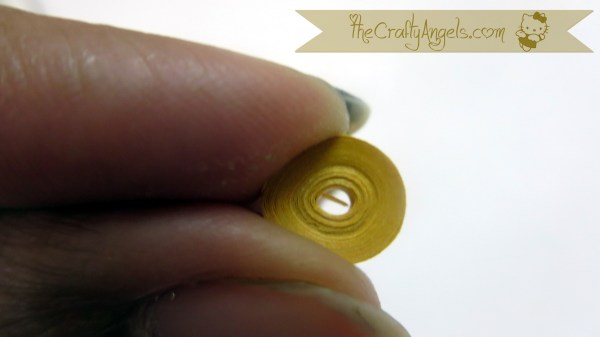 Basic quilling tutorial-making teardrop (18)