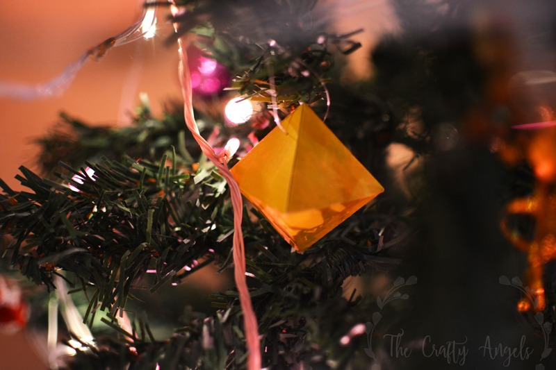 geometric paper ornament, geo ornament, DIY Geometric paper ornaments, box ornament, paper folded ornament, paper folded tree ornament, christmas tree ornament, christmas tree paper ornament, diy paper ornament, diy christmas tree decor, christmas tree decor ideas, christmas craft ideas, christmas activity