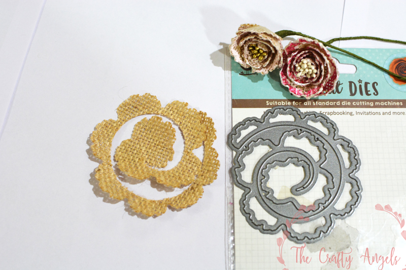 No sew burlap rosette flower making tutorial, burlap ribbon , burlap ideas, burlap craft, burlap decor, burlap flower, burlap roses, burlap rosettes, burlap useful DIY, diy with burlap