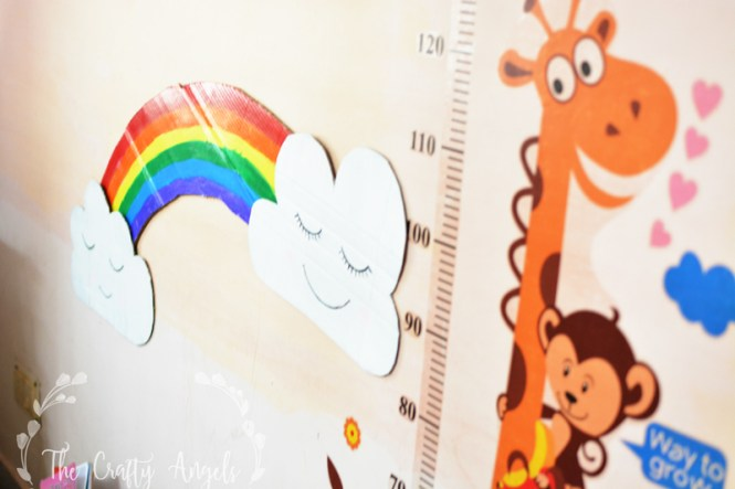 DIY Nursery Wall Art, DIY rainbow with cardboard, DIY cardboard clouds, DIY rainbow nursery wall decor, diy rainbow, rainbow craft, rainbow girl, DIY clouds, clouds with face, DIY clouds, Rainbow decor , DIY craft with cardboard, cardboard craft