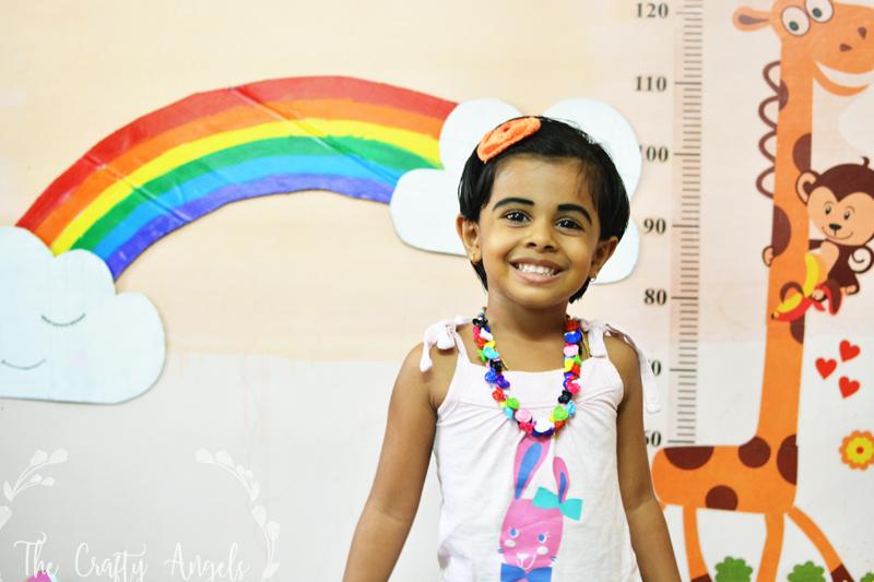 DIY Nursery Wall Art, DIY rainbow with cardboard, DIY cardboard clouds, DIY rainbow nursery wall decor, diy rainbow, rainbow craft, rainbow girl, DIY clouds, clouds with face, DIY clouds, Rainbow decor , DIY craft with cardboard, cardboard craft