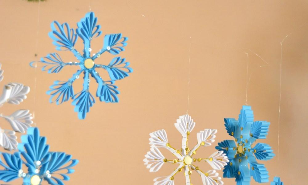 diy paper snowflake, DIY christmas crafts, DIY paper christmas craft, Indian christmas, christmas crafts, kids christmas, paper christmas tree, paper christmas activity, thecraftyangels