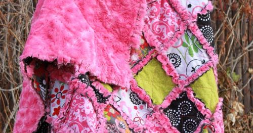 How to Make a Minky Rag Quilt, a tutorial featured by top US craft blog, The Crafty Blog Stalker: