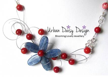 Urban Daisy Design blue flower necklace