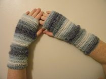 2. ITCHY CROCHET gloves