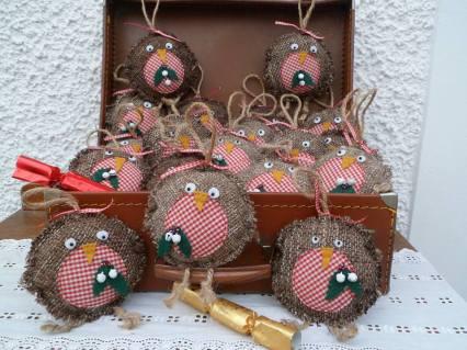 7. Mammakaz robin decorations