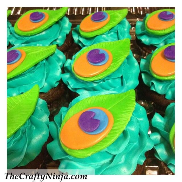 diy peacock cupcakes