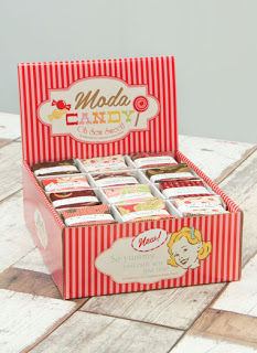 Moda-Candy-Display-Box-clipped
