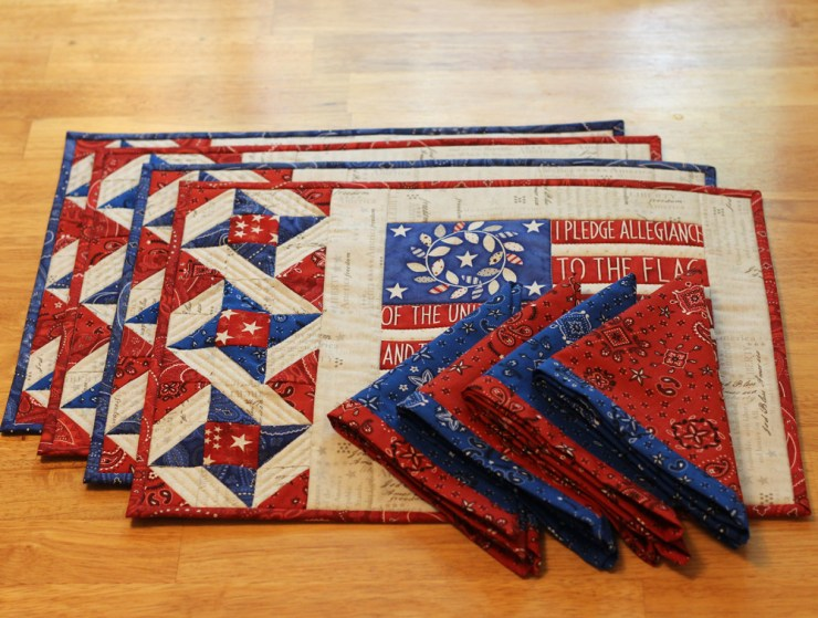 Placemat set by Julie Cefalu @ The Crafty Quilter