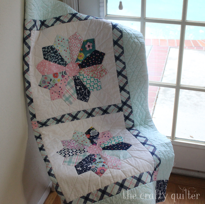 Chunky Dresden Plate Quilt made by Julie Cefalu @ The Crafty Quilter