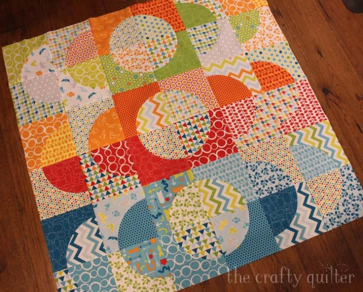 Slit 'N Sew Method using the CutRite Drunkard's Path template by Quilter's Paradise - @ The Crafty Quilter