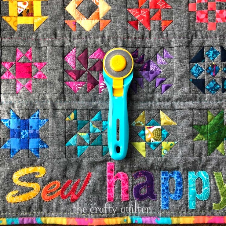 February UFO & WIP Challenge project: Sew Happy Mini Quilt made by Julie Cefalu @ The Crafty Quilter. Tutorial coming soon!