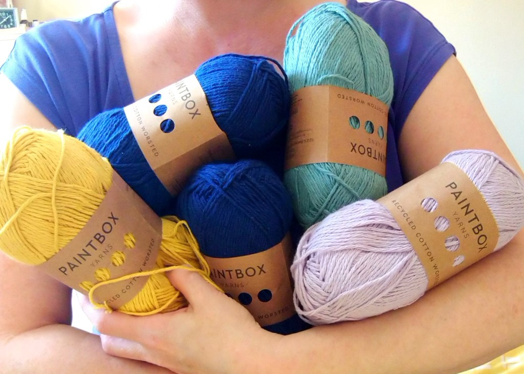 Holding yarns Paintbox recycled cotton