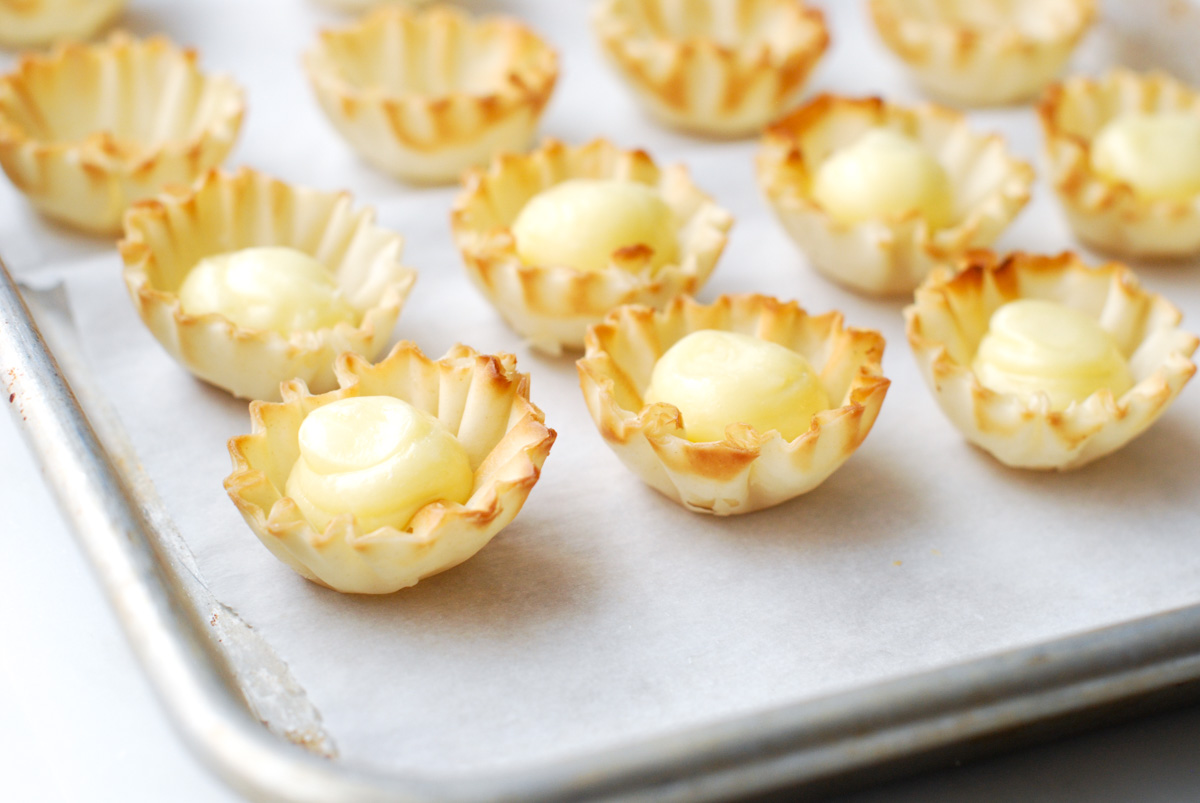 Brie and Apple Tartlets with Apricot Mustard
