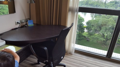 Rounded table at Holiday Inn Express