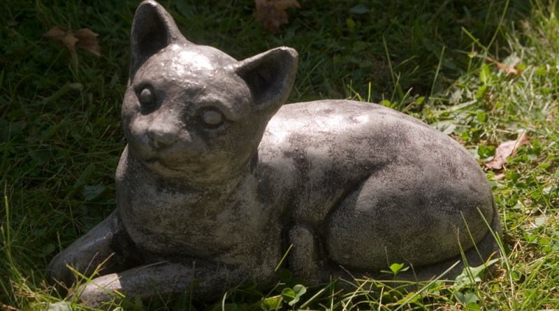 Kitty sculpture.