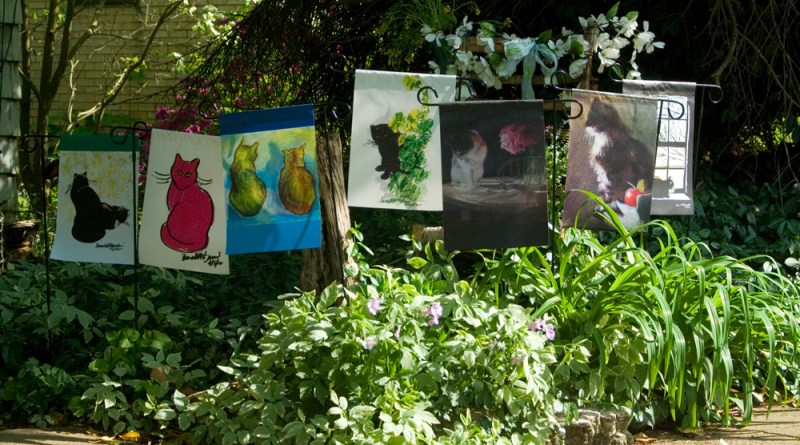 garden flags with cats