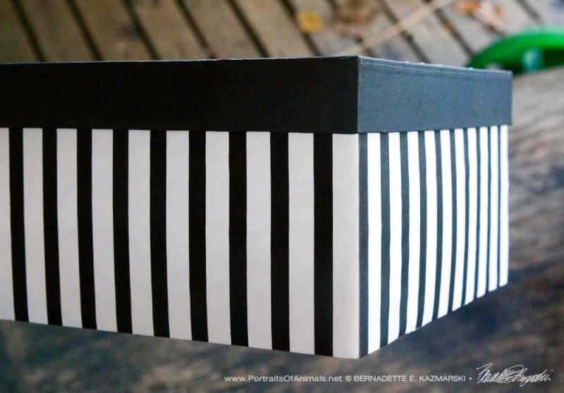 Detail of pattern on side.