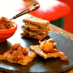 Sugar-free Nutty Winter Chutney and Gluten-free crackers