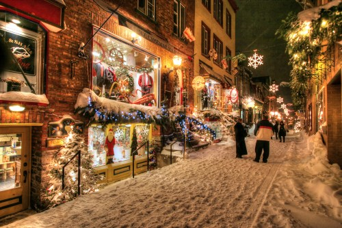 Old-Quebec-City-District-Alley-in-HDR-07