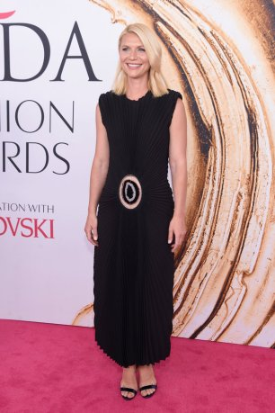 NEW YORK, NY - JUNE 06: Actress Claire Danes attends the 2016 CFDA Fashion Awards at the Hammerstein Ballroom on June 6, 2016 in New York City. (Photo by Jamie McCarthy/Getty Images)