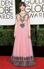 golden-globes-felicity-jones-today-17018_e61c1855fdbd37bc99fe9b7dad988a09-today-inline-large