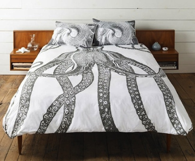 Classic-Graphic-Animal-Bedding-by-Thomas-Paul-1