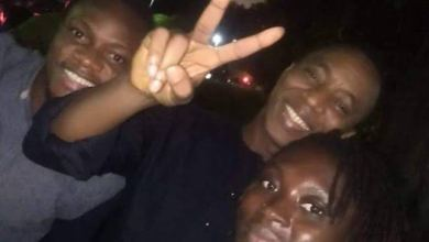 Sowore celebrates release with victory sign
